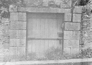 gravedoor.jpg